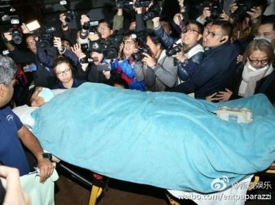 劉德華延遲20分鐘入院   拒上石膏望跌打治腰傷