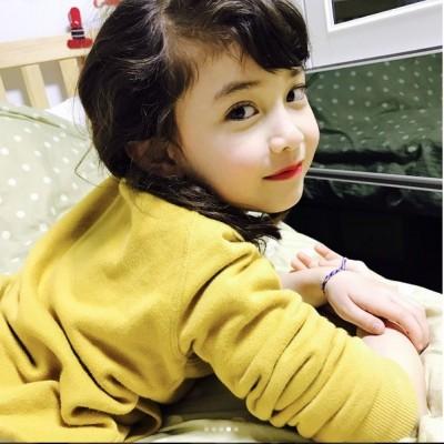 Somi自認輸了!8歲妹大眼翹睫毛狂放電