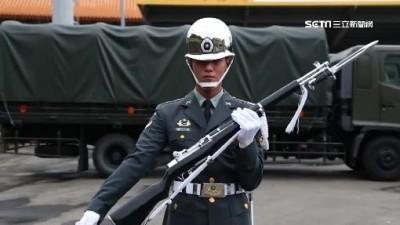 台版《太陽的後裔》男主角  帥氣陸軍儀隊出線