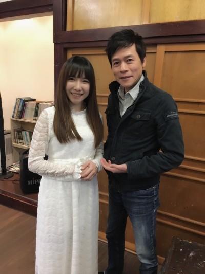 (影音)洪榮宏帶妹唱情歌 這次相差27歲