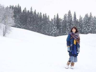 《六弄》女神日本遇風雪 雙脣冰封凍整晚