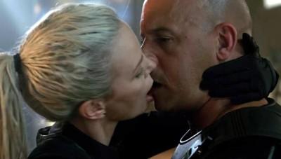 被莎莉賽隆虧吻起來像「死魚」 馮迪索氣炸了!
