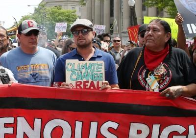 為氣候變遷抗戰 李奧納多率上千人上街示威遊行
