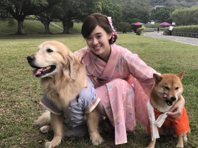 「小金泰希」邱偲琹與狗對戲  可愛魅力失效