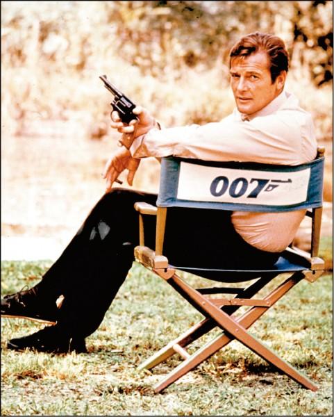 永遠的007 羅傑摩爾89歲癌逝
