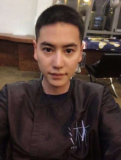 SJ圭賢今入伍 小平頭道別粉絲