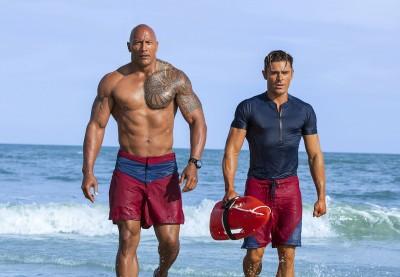 《海灘救護隊》挨轟不好笑評價慘 巨石強森大器這麼說...!