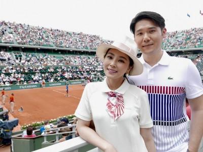 出席法網公開賽 女星老公與喬帥撞衫