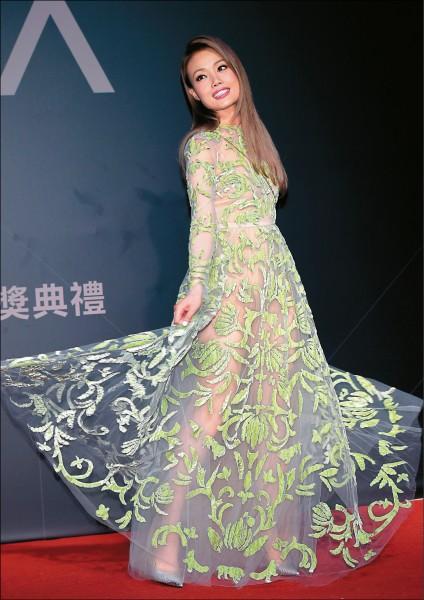 《金曲星光》容祖兒飄仙氣最出色    台語女歌手穿出新高度