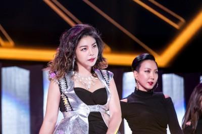 鐵肺歌姬Ailee吞CD飆唱  獻《小幸運》嗨翻台粉