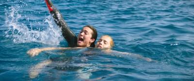 女星自爆遭強推深海練潛水 乳波戰鯊魚超惹火