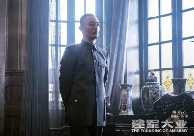 中國主旋律電影哭哭!廣電局護航《建軍》仍慘兮兮