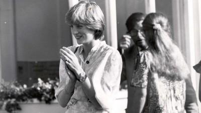 黛安娜王妃生前一手戴兩錶 原來與「他」有關