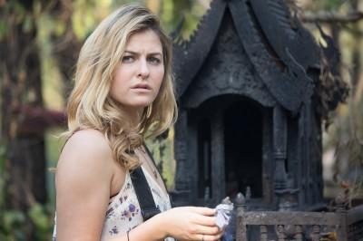 女星揪男友泰國度假   誤闖墓地遭「猛鬼」纏身