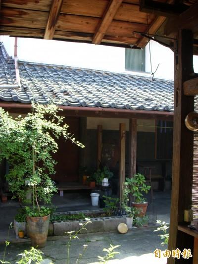 改造180年日本倉庫  廢墟變成工作室…
