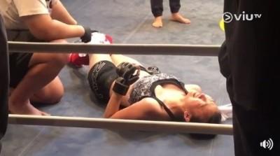 偽AV女星赴日特訓格鬥技 慘被當沙包打趴痛哭送醫