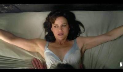 老公突心臟病發倒地 女星玩SM銬床受困