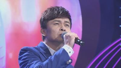 37歲男歌手唱到一半崩潰 自曝「已離婚」