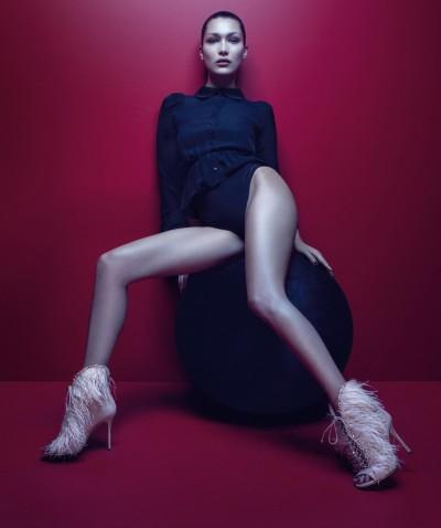 美國辣模下身不設防  敞開極品美腿穿高跟鞋撩人