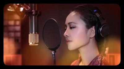 (影音)Jolin全新MV曝光!溫暖歌聲超催淚