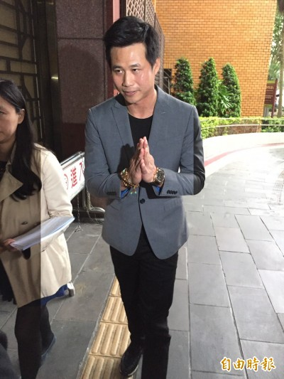 陳國華求償《周刊王》2千萬  撇威逼女記者拍道歉影片