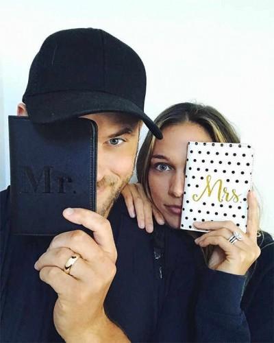 《暮光之城》男星感恩節宣布婚訊 夫妻戒指閃瞎人