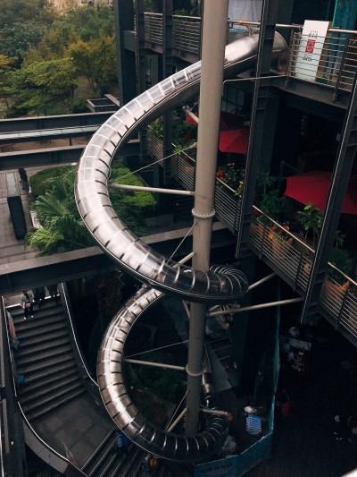 亞洲戶外最高溜滑梯 練膽量吱吱叫