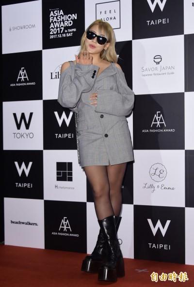 (影音)粉絲嗨喊「不要走!」南韓天后CL冰山也融化