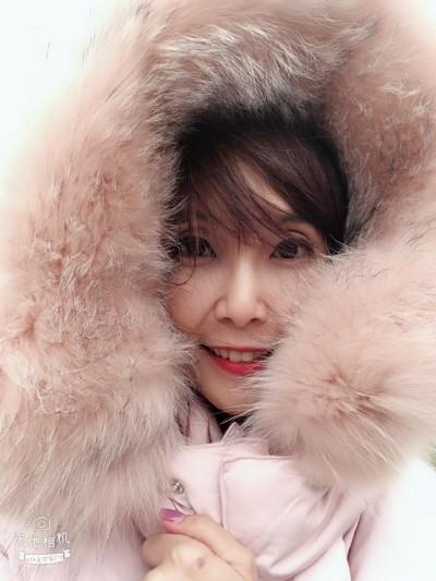 「包這麼緊還那麼正」  美女主播曝新竹在下雪