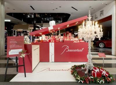 全台最美耶誕禮物盒亮相 878萬元水晶燭台登場
