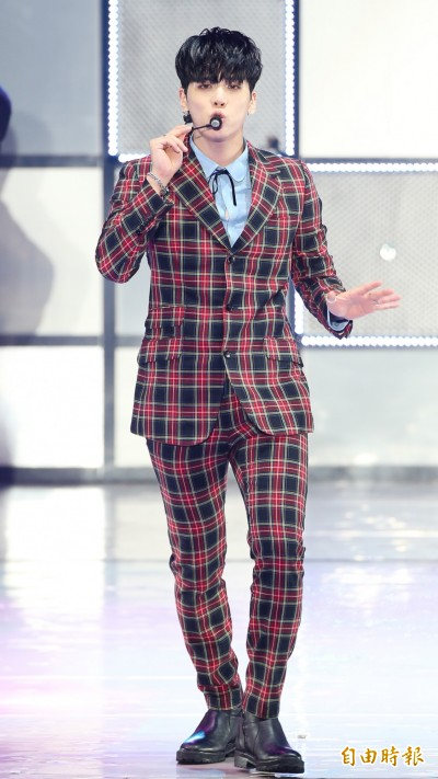SHINee鐘鉉燒炭自殺  得年27歲