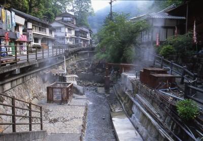 日本湯之峰溫泉傳說   讓餓鬼起死回生的「壺湯」