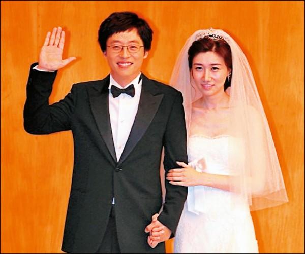 劉在錫隔8年再當爸 蒼井空閃婚飄孕味