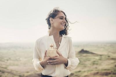 台、日熱銷香水有了新歡    這次把經典包款元素全用上了