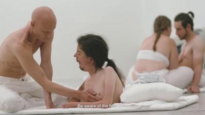 全裸性愛群戲震驚影展 《禁身接觸》台灣看得到