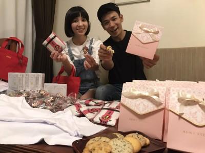 緊張到胃痛!香蕉哥哥沖繩娶草莓姐姐 50親友見證浪漫