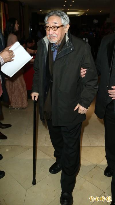 87歲孫越住院14天病況曝光  「像被掐頸」喘不停