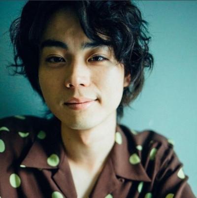 菅田將暉戀九頭身美女姊姊 遭爆「只是砲友」