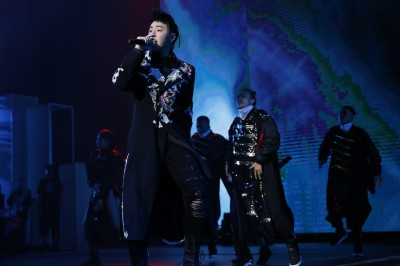 (影音)潘瑋柏喊「歡迎楊丞琳」嚇壞歌迷 安可重現《快樂崇拜》嗨爆