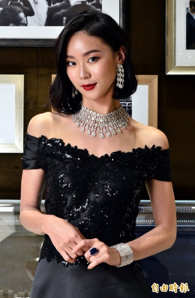 (影音)鍾瑶1.3億珠寶上身  卻只想要逃