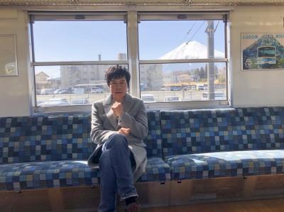 洪榮宏東京遭丟包 求救路人被嗆:少來煩我