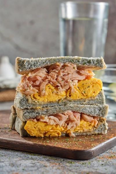 超狂一公尺起司瀑布 「包果」慢煎奶油三明治飄香
