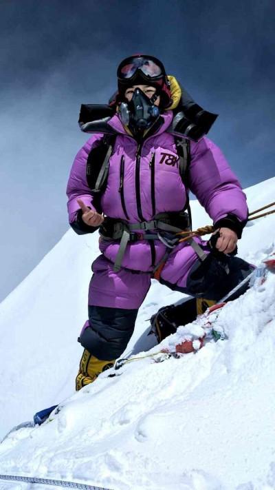 (影音)台女第1人!女星冒高風險 成功攻頂世界第4高峰