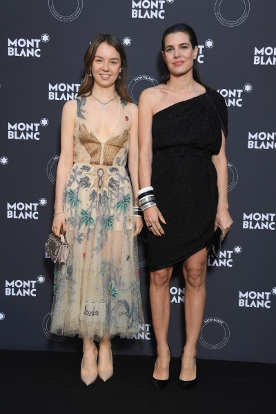 摩納哥公主設計銀飾 姊妹相挺