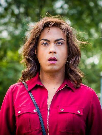 男星跨性別扮女 當街遭兒相認糗大了