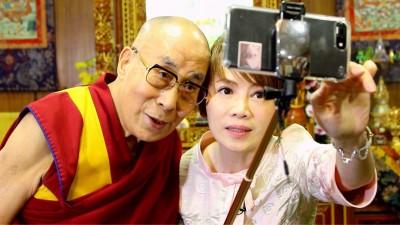 主播搭機失速下墜 專訪達賴喇嘛:不在乎中共打壓