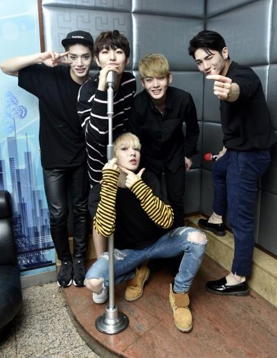 韓男團被公司冷凍 遭嗆「少吃一餐不會死」