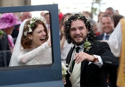 《冰與火》CP結婚了!古堡婚禮曝女方驚人身世