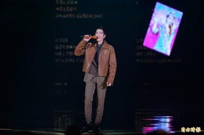 金曲》揭露蕭敬騰處女主持秘辛 經紀人感動「他不眠不休練畫」