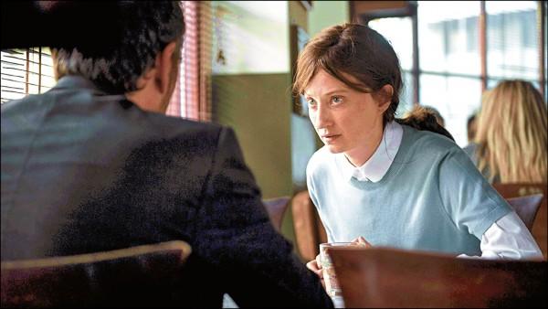 威尼斯影后扮懷孕修女 《願望咖啡館》令人咋舌
